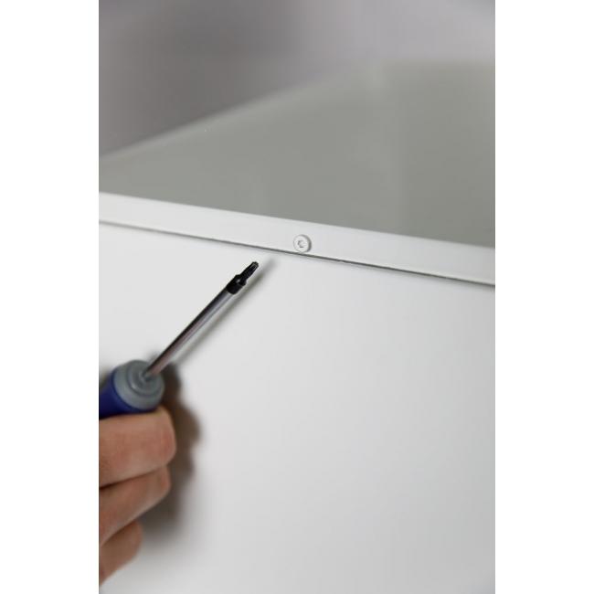 bevestiging plexiglas vitrinekap aan sokkel d.m.v. 2 schroeven